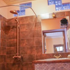 Отель Takht House Дилижан ванная фото 2
