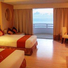 Отель D Varee Jomtien Beach 4* Номер Делюкс с различными типами кроватей фото 2