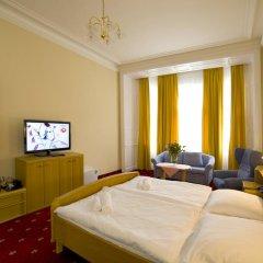 Hotel Palacký 3* Стандартный номер с двуспальной кроватью фото 8