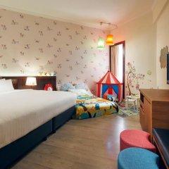 Village Hotel Bugis 4* Улучшенный семейный номер с двуспальной кроватью фото 4