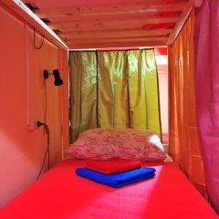 Vega Hostel Кровать в мужском общем номере с двухъярусной кроватью