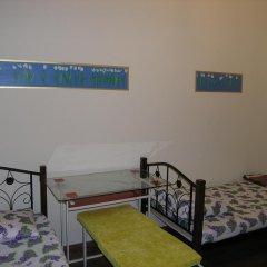 Хостел Радужный Кровать в общем номере двухъярусные кровати фото 2