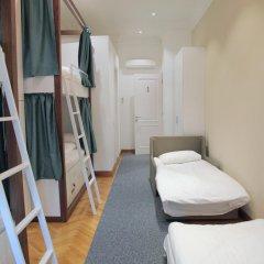 Отель Karavan Inn Кровать в общем номере с двухъярусной кроватью фото 11