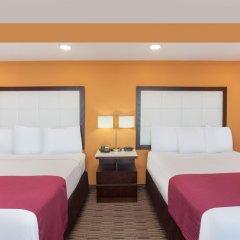 Отель Ramada by Wyndham Culver City 2* Стандартный номер с различными типами кроватей