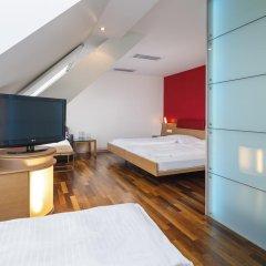 Отель Coronado Цюрих сейф в номере