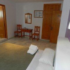 Отель Hostal El Alferez Испания, Вехер-де-ла-Фронтера - отзывы, цены и фото номеров - забронировать отель Hostal El Alferez онлайн комната для гостей фото 5