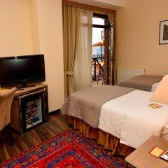 Отель Betsy's 4* Стандартный номер двуспальная кровать фото 15
