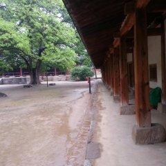 Отель Punggyeong Hanok Guesthouse Южная Корея, Сеул - отзывы, цены и фото номеров - забронировать отель Punggyeong Hanok Guesthouse онлайн парковка