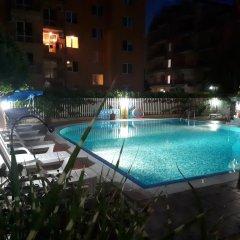 Отель Aparthotel Aquaria Болгария, Солнечный берег - отзывы, цены и фото номеров - забронировать отель Aparthotel Aquaria онлайн бассейн фото 2