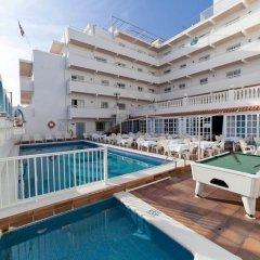Отель Apartamentos Lux Mar Испания, Ивиса - отзывы, цены и фото номеров - забронировать отель Apartamentos Lux Mar онлайн бассейн