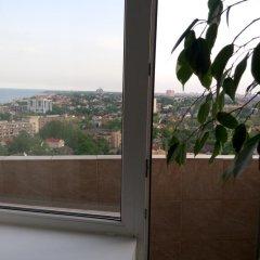 Апартаменты Apartment Red and White балкон