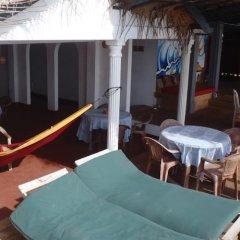 Отель Surfing Beach Guest House Шри-Ланка, Хиккадува - отзывы, цены и фото номеров - забронировать отель Surfing Beach Guest House онлайн балкон