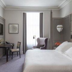 Four Seasons Hotel London at Ten Trinity Square 5* Улучшенный номер с различными типами кроватей фото 3