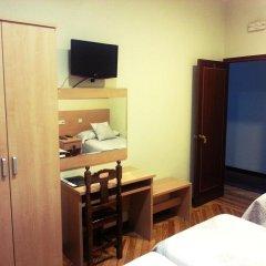 Отель Hostal Avenida Стандартный номер с 2 отдельными кроватями фото 7