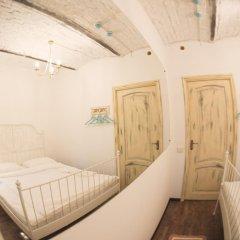 Хостел GOROD Патриаршие Номер с различными типами кроватей (общая ванная комната) фото 6