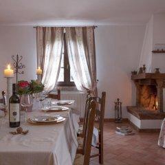 Отель Agriturismo Tra gli Ulivi Кастаньето-Кардуччи питание фото 2