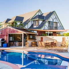 Отель Tudor Park Country Stay B+B бассейн