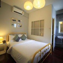 Ai Phuket Hostel Стандартный номер с двуспальной кроватью (общая ванная комната) фото 6