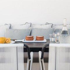 Отель Porto Fira Suites Греция, Остров Санторини - отзывы, цены и фото номеров - забронировать отель Porto Fira Suites онлайн питание