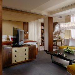 Hotel Vier Jahreszeiten Kempinski München 5* Улучшенный номер с двуспальной кроватью фото 2