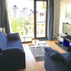 Апартаменты Sea View Apartment in New Line Village Свети Влас комната для гостей фото 2