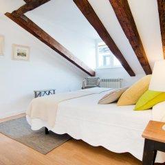 Отель Apartamentos Plaza Santa Ana Мадрид комната для гостей фото 4