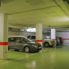 DoubleTree by Hilton Hotel Girona парковка