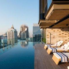 Отель Indigo Bangkok Wireless Road Бангкок бассейн