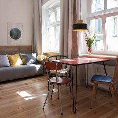 Апартаменты Sunny Boutique Studio Apartment комната для гостей