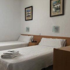Отель Hostal Residencia Lido Стандартный номер с различными типами кроватей фото 4