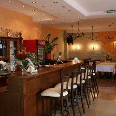 Отель Pensjonat Pod Labedziem гостиничный бар