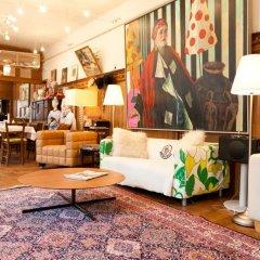 Отель Schwalbe - Low Budget Австрия, Вена - отзывы, цены и фото номеров - забронировать отель Schwalbe - Low Budget онлайн гостиничный бар