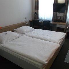 Отель Townhouse Düsseldorf 3* Стандартный номер с двуспальной кроватью