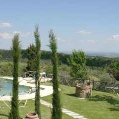 Отель Agriturismo Poggio al Vento Синалунга приотельная территория