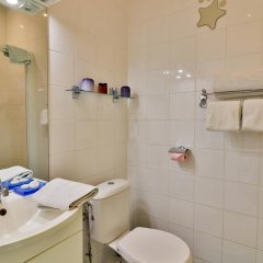 Отель Palais Hongran de Fiana Франция, Ницца - отзывы, цены и фото номеров - забронировать отель Palais Hongran de Fiana онлайн ванная