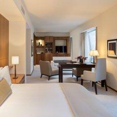 Отель The Langham, New York, Fifth Avenue Представительский номер с различными типами кроватей