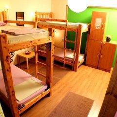 Hostel and Apartments Skadarlija Sunrise Кровать в общем номере с двухъярусной кроватью фото 7