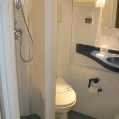 Отель Centre Jean Bosco Франция, Лион - отзывы, цены и фото номеров - забронировать отель Centre Jean Bosco онлайн ванная