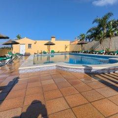 Отель Apartamentos Villafaro бассейн