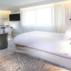 Отель La Maison Champs Elysees Париж комната для гостей фото 3