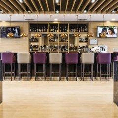 Отель Best Western Premier Sofia Airport Hotel Болгария, София - 1 отзыв об отеле, цены и фото номеров - забронировать отель Best Western Premier Sofia Airport Hotel онлайн гостиничный бар