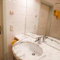 Отель Gastehaus Eva-Maria Австрия, Зальцбург - отзывы, цены и фото номеров - забронировать отель Gastehaus Eva-Maria онлайн ванная фото 2