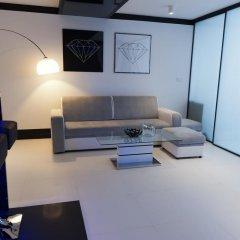 Апартаменты Diamonds Apartment комната для гостей фото 4