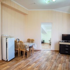 Гостиница Континент 2* Люкс с двуспальной кроватью фото 16