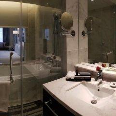 Отель Meliá Kuala Lumpur Малайзия, Куала-Лумпур - отзывы, цены и фото номеров - забронировать отель Meliá Kuala Lumpur онлайн ванная