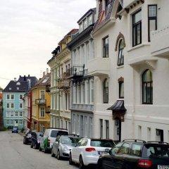 Отель Beccy Bergen Apartment Норвегия, Берген - отзывы, цены и фото номеров - забронировать отель Beccy Bergen Apartment онлайн парковка