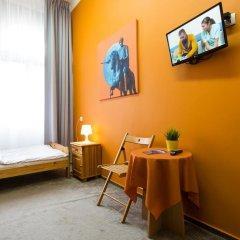 Moon Hostel Стандартный номер с различными типами кроватей (общая ванная комната) фото 7
