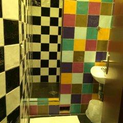 Отель Hôtel Monte Carlo 2* Стандартный номер с различными типами кроватей (общая ванная комната) фото 14