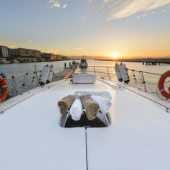 Luxury Yacht Hotel спортивное сооружение