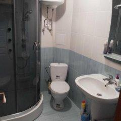 Апартаменты Apartment Red and White ванная